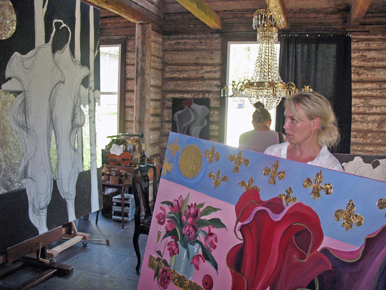 Johanna työskentelee kesäisin Punkaharjulla.
