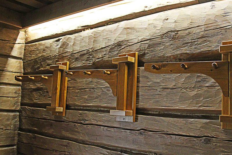 Kruunupuisto Sauna naulakot